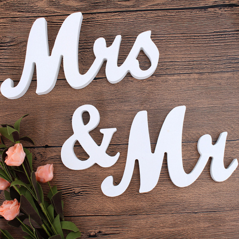 1 set romantic vintage mr mrs white wooden letters sign. Black Bedroom Furniture Sets. Home Design Ideas