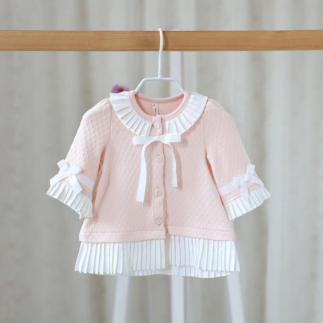 En el otoño de 2016 nuevos niños muchachas de la capa capa color dulce chaqueta de punto de encaje arco lindo del bebé ropa de bebé niñas