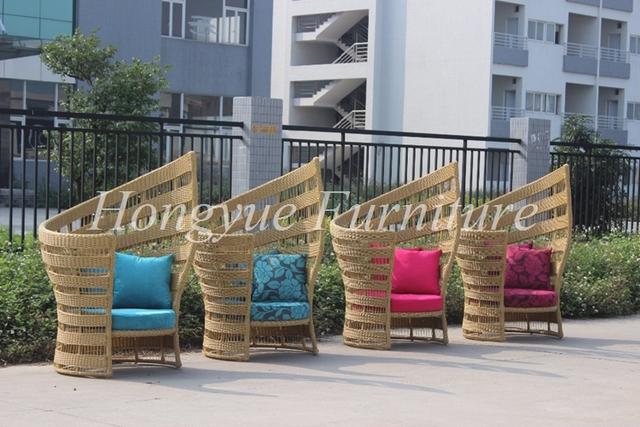 Patio al aire libre de alta de nuevo sofá de mimbre con cojines y almohadas venta