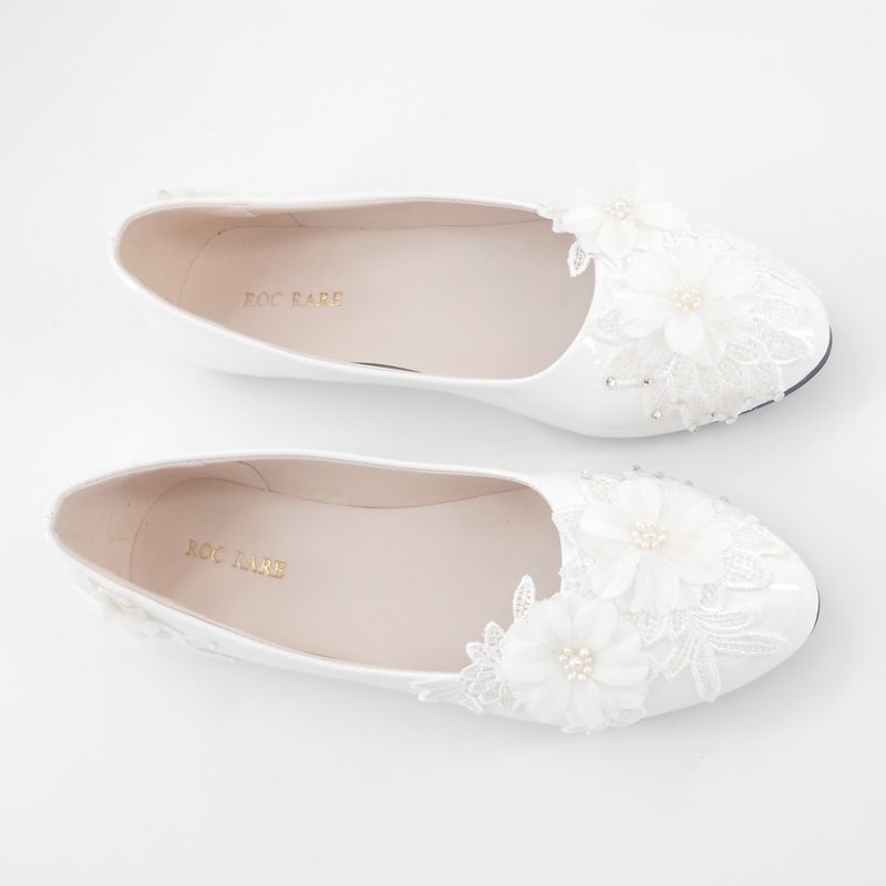 3c6712a2e1209 Aliexpress.com   Buy ROC RARE New White Lace Flowers Wedding Shoes Flat  Heels Handmade lace White Bridal Shoes Bridesmaid Shoes banquet dress from  Reliable ...