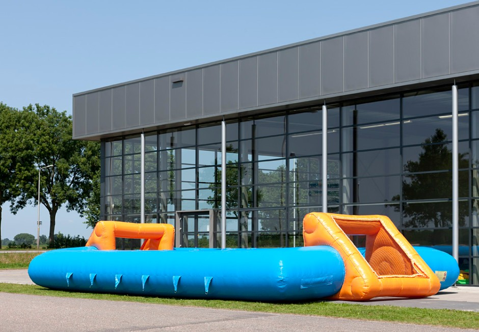 inflatable-human-table-soccer-blue-orange-6-940x652