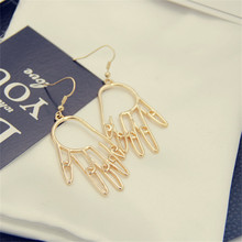 Unique individual character small accessories handmade earrings alloy material The female ear clip earrings ear hole dreve ear impression material green
