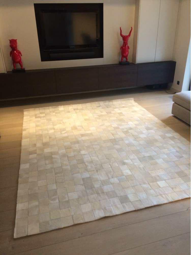 New Cowhide Rug Leather. Animal Skin Patchwork Area Carpet.(China (Mainland)