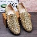Calidad superior de LA UE 38-43 Zapatos de Fiesta de Bodas de Los Hombres Moda Spikes Holgazanes de Los Hombres Remaches Zapatos de Vestido Ocasional de Los Hombres pisos Negro Glod