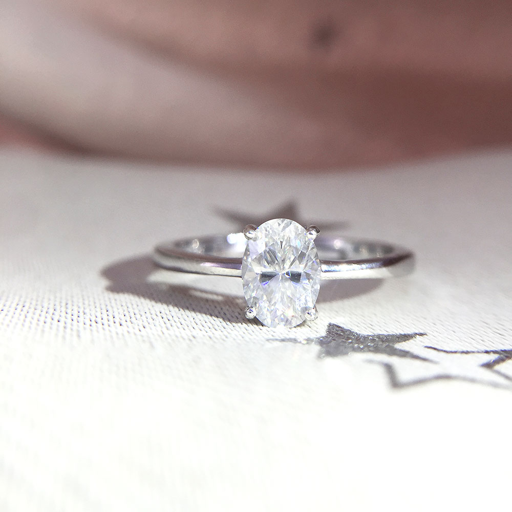 14K White Gold Plated Silver 2.0ct 7x9mm Oval Cut Moissanite Engagement Ring Anniversary Ring Moissanite Ring For Women 14K White Gold Plated Silver 2.0ct 7x9mm Oval Cut Moissanite Engagement Ring Anniversary Ring Moissanite Ring For Women
