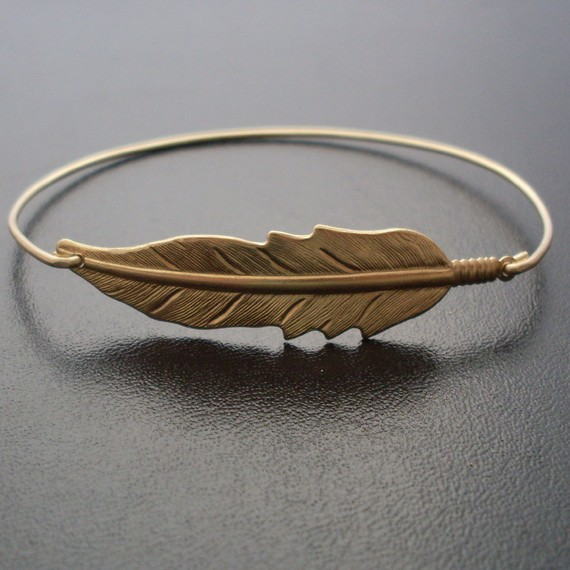 Gold / silver Feather Charm Bracelet Gift for Friend,Mom Retro Beautiful Nature Hippie Inspired Jewelry Hot Selling YPQ0102