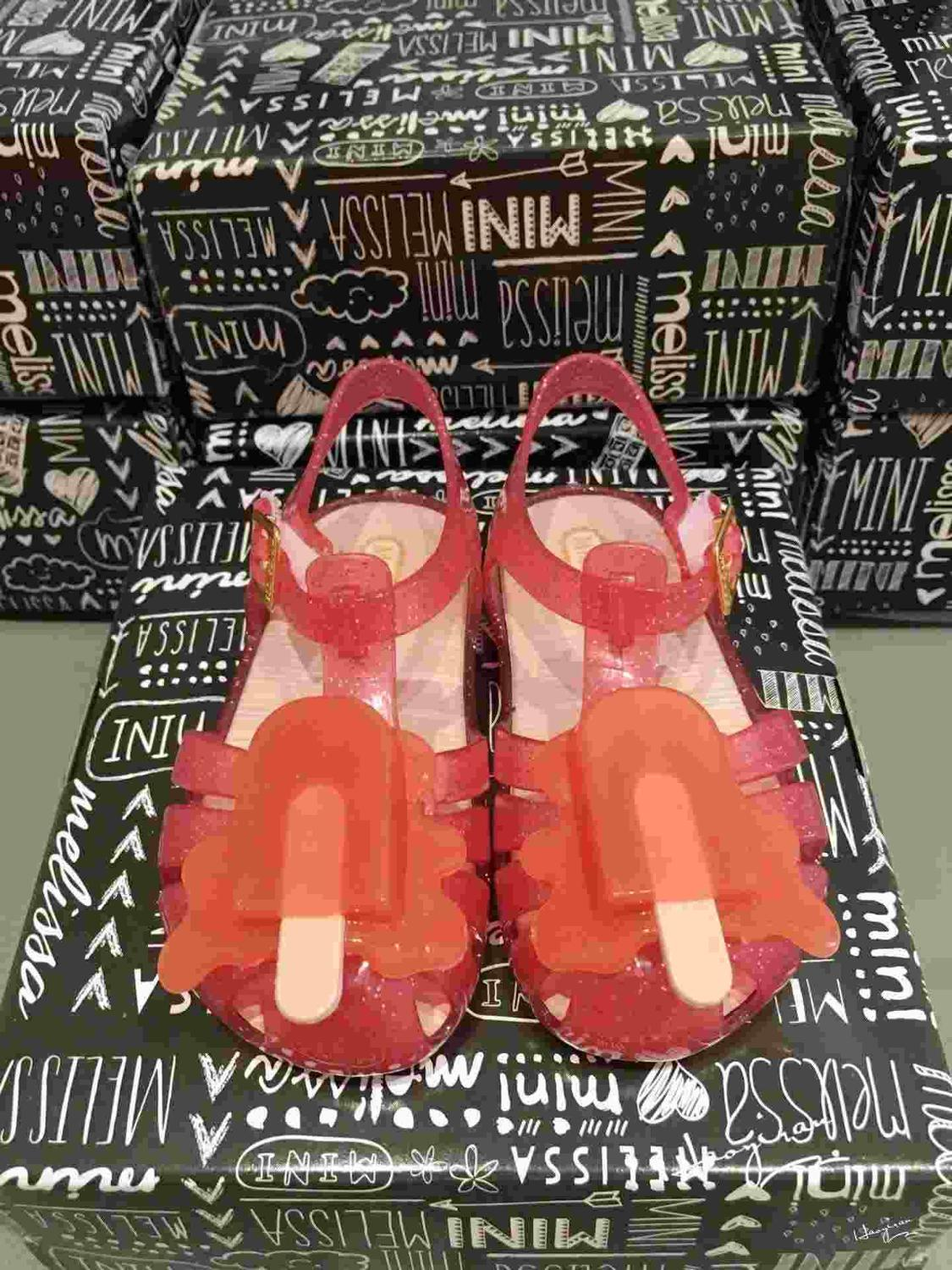 5169f21c96ff 2016 Direct Selling New Arrivals Mini Melissa Led Light Girls Sandals Ice  Cream Design Kids Shoes Jelly Flash Antiskid 60p -in Sandals   Clogs from  Mother ...