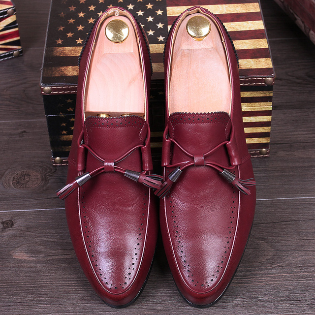 British Style Dress Fashion Pointed Toe Tassel Men Brogue Shoes Slip-On Loafers Vintage Carved Business Oxfords Male Flats 02