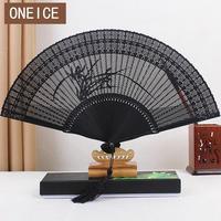 Alle Bamboe Fan Groothandel Oude Wind Vouwen Hollow Japanse Chinese Stijl Creatieve Kleine Gift Bruiloft Handgemaakte Decoratie