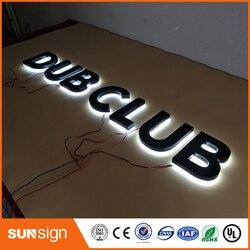 حروف لافتات بإضاءة خلفية LED ثلاثية الأبعاد بإضاءة خلفية مصنوعة من الفولاذ المقاوم للصدأ للنادي