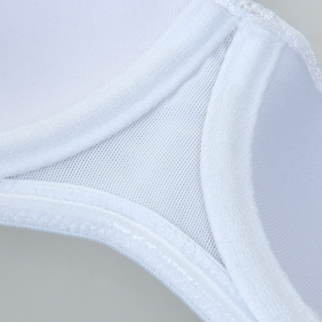 Smooth Multi-way Bandeau-style Strapless Silicone Strips Bra with Underwire