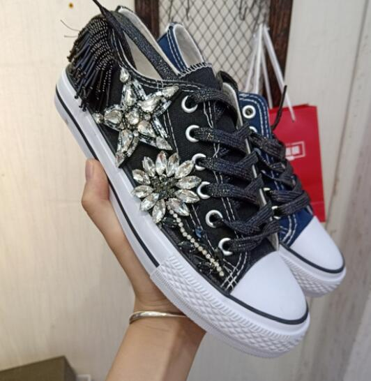 European station autumn 2018 new tide shoes heavy work beaded three-dimensional flower color matching high shoesEuropean station autumn 2018 new tide shoes heavy work beaded three-dimensional flower color matching high shoes
