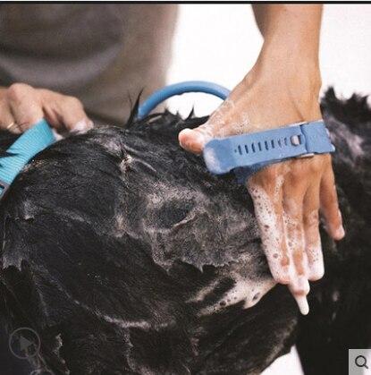 Nueva herramienta de baño para mascotas con masajeador cómodo 2