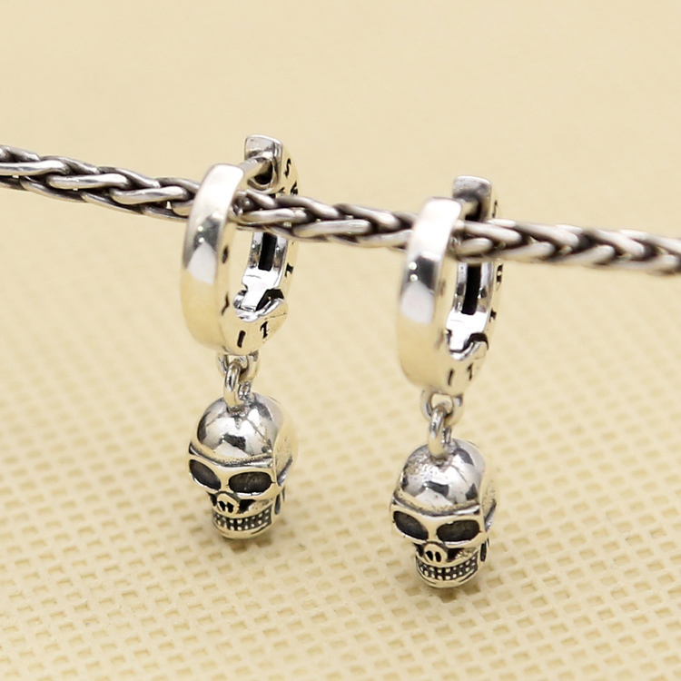 S925 sterling silver jewelry punk wind earrings skull ring earrings men and women Korean version of personality fashion ear