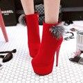 El otoño y el invierno nueva bola de pelo de conejo tubo corto botas Martin mujer zapatos de tacón Alto con botas finas botas desnudas zapatos de boda Rojo