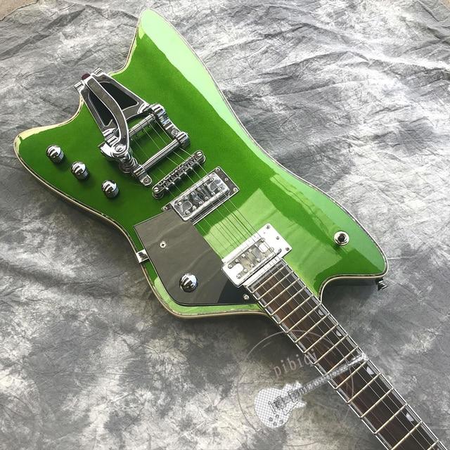 Custom Metallic green body, Bigsby Tremolo, white hardware 1
