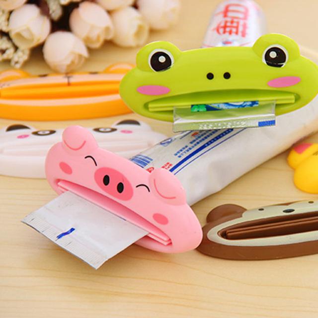 1PC Multifunction Kitchen Accessories Tools Cartoon Toothpaste Squeezer Useful Home Bathroom Decoration Kitchen Gadgets Random.