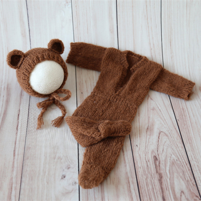 b0c51f73b05 Knitted Baby Hat and Romper Set Photography Props Lovely Baby Outfit Animal  Pattern Newborn Bear Bonnet Footed Jumpsuit Props