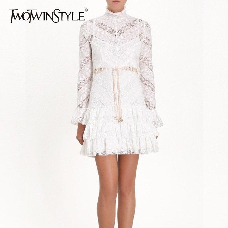 TWOTWINSTYLE koronki Patchwork sukienka dla kobiety stoją kołnierz Flare rękawem Ruffles Hollow Out bandaże sukienki kobiet 2019 lato w Suknie od Odzież damska na  Grupa 1