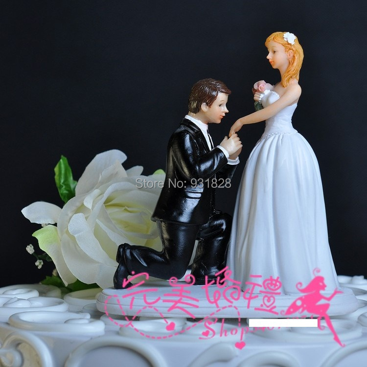 cheap wedding cake toppers bride and bridegroom figurine cake topper engagement couple figurines. Black Bedroom Furniture Sets. Home Design Ideas