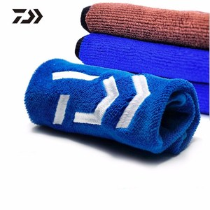Image 2 - DAIWA New Fishing Towel Thickening Non stick Absorbent Outdoors Sports Wipe Hands Towel For Hiking Climbing Fishing