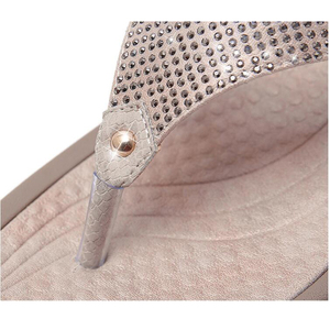 Image 2 - BEYARNE2019New נשים פרחוני חרוזים נצנצים קישוט רשת כפכפים פליפ פלופ סנדל טריז platformshoes sandalia femininaE054