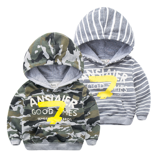 In the spring of 2017 new Children Boys camouflage Hoodie hooded striped shirt baby cartoon digital leisure jacket