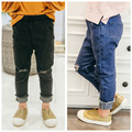 2017 новые детские дети Европа Америка весна осень отверстие джинсы jeggings твердых назад синие джинсы