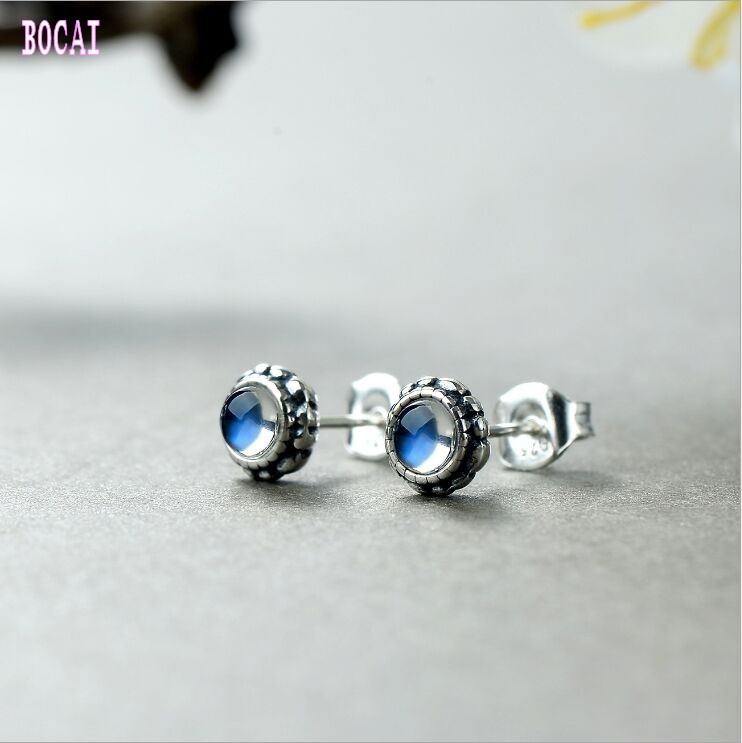 Fresh flower buds hand set natural moonstone stud earrings S925 silver wild retro style Thai silver women's earrings
