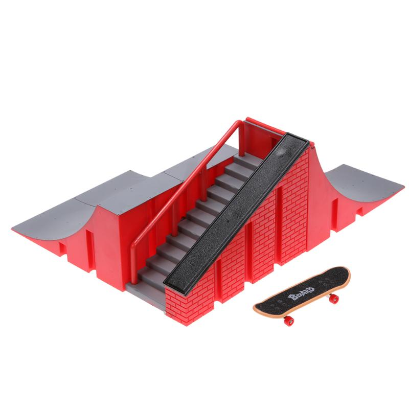 Novelty Mini Finger Skating Board Table Game Ramp Track Toy Set for Kids Educational Toy Sakteboard Children Gift for Boy Type A