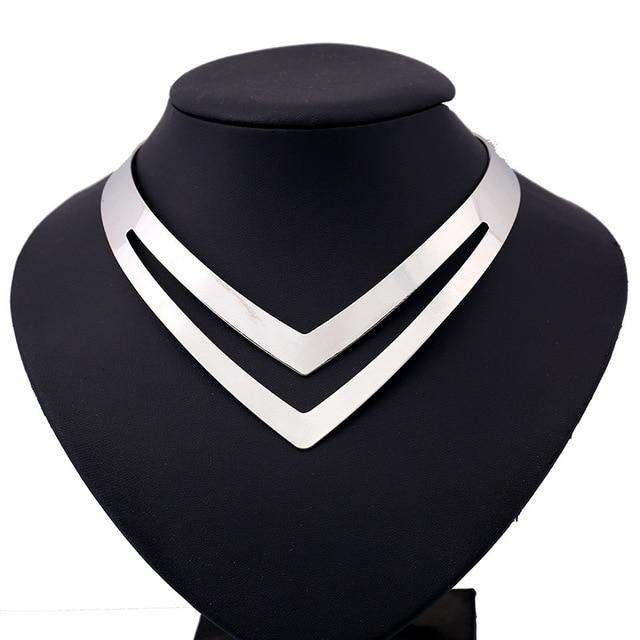 LZHLQ Geometrischen Hohl Metall Drehmomente Frauen Trendy Einfache Glatte Choker Halsketten Zogener Halsbänder Halskette Punk Schmuck Erklärung