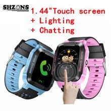 """2017 Venta Caliente Niños SmartWatch 1.44 """"hd pantalla táctil para sistema ios android smart watch con linterna niños smartwatch"""