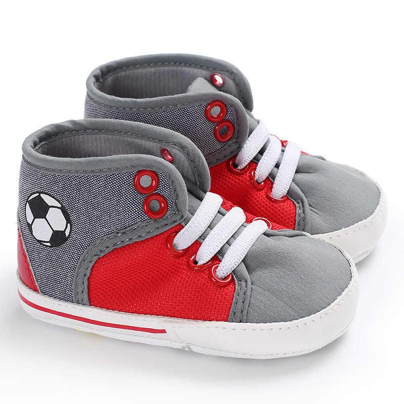 جديد لكرة القدم رياضية المولود الجديد سرير أحذية رياضية الفتيان الفتيات الرضع الدانتيل يصل لينة وحيد أحذية