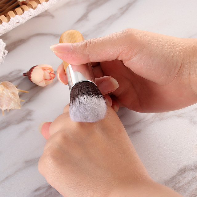 1PC Pro Makeup Brushes Salon Cosmetic Liquid Foundation Finishing Buffer Powder Blush Face Makeup Flat Top Basic Brush Tools Makeup Brushes