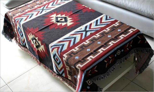 Kilim Sofa Blanket – Geometric Pattern – Red