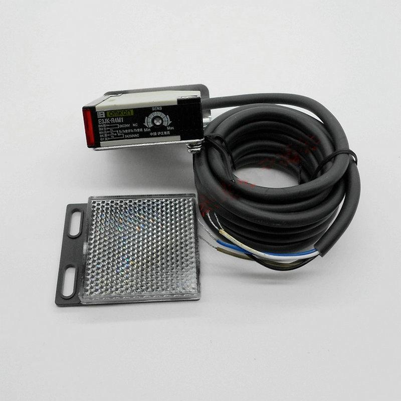 E3JK-R4M1 DC 12-24V AC 90-250V Proximity Switch Retroreflective Photoelectric Sensor Switch With 2M Cable
