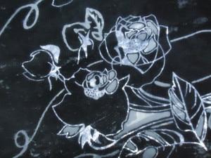 Image 4 - Foulard en velours pour femmes, magnifique châle de fête, en velours lisse, imprimé Rose noir, cadeau dhiver pour dames