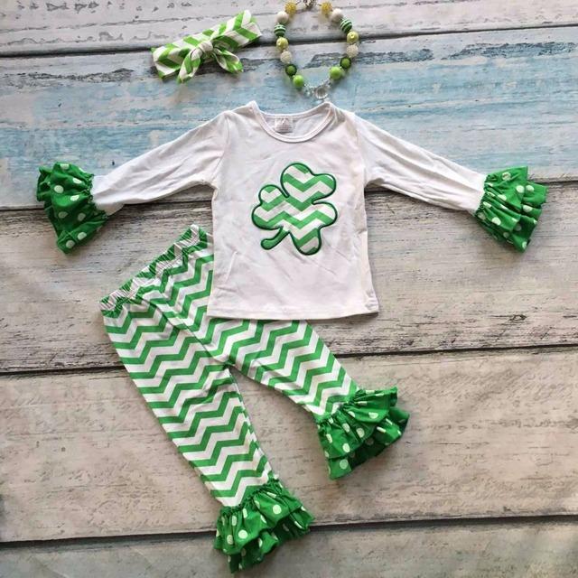 Bebé niñas Día de San Patricio del trébol chevron boutique trajes pant set top de algodón volantes con el collar a juego y el arco conjunto