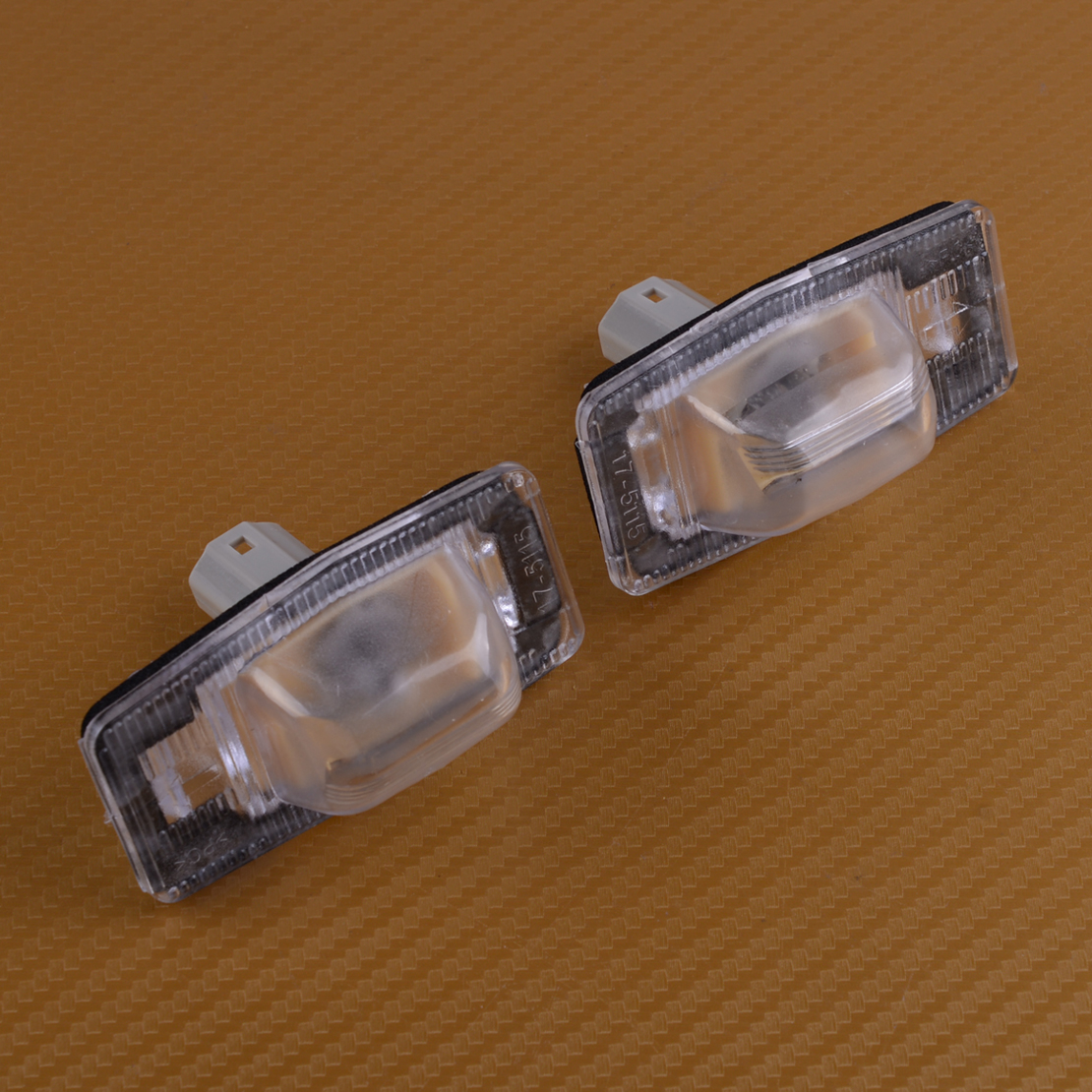 Beler 2 PCS Lizenz Platte Lampe Schwanz Licht NC1051270B Passt für Mazda MPV Protege Tribut Familia 323 Protege BJ 98 -03 Miata
