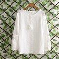 Frete grátis casual Mulheres Coreano Instituto de vento bordado O-pescoço de algodão branco rendas franjas longo-sleeved blusa