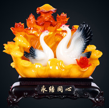 The couple swan sets a new home living room european-style decoration wedding gift practical present.
