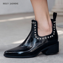 цена на 2019 New Luxury Brand Genuine Leather Women Boots Fashion Rivet Ankle Boots For Women Pointed Toe High Heels Women Chelsea Boots