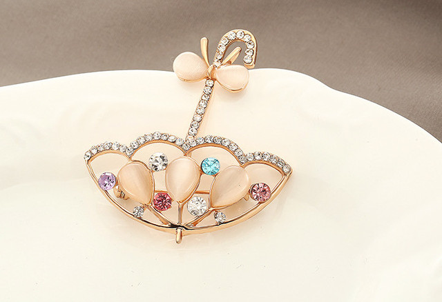 CINDY XIANG Opal And Rhinestone Umbrella Brooches For Women Cute Korea Style Brooch Pin Lead Free Coat Dress Corsage Accessories
