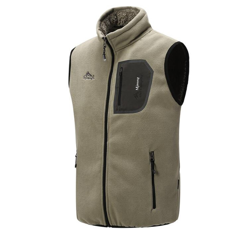 Man Waistcoats Spring Autumn Fit Men Outerwear Coats Fleece Vest For Men Multi Pockets Winter Men's Lamb Cashmere Coats  A3669