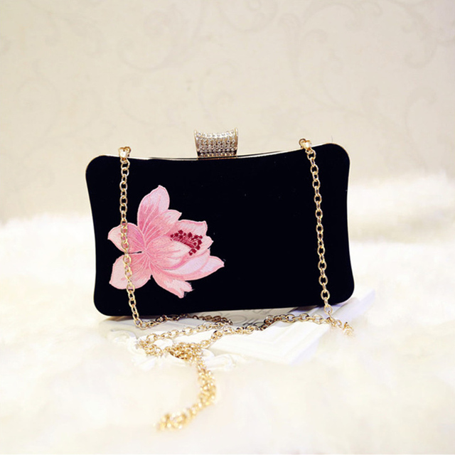 Embroidered velvet handbags 5