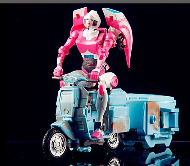 NEW arrival Weijiang MW-002 Sqweeks Arcee Metal Part Oversized Transformation Robot toy free shipping