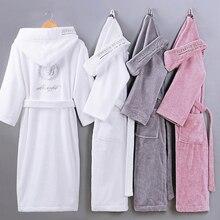 Albornoz grueso de algodón puro Unisex, bata de baño de color liso, bordado, de manga larga, absorbente, con capucha, para Otoño e Invierno