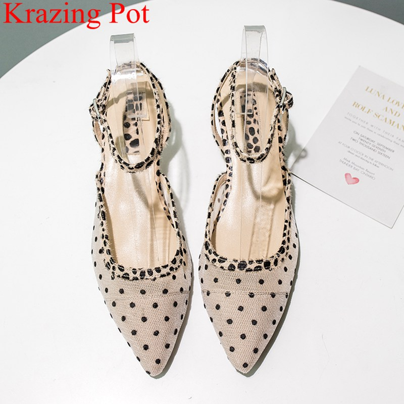 купить 2018 fashion pointed toe shallow high heels buckle strap women sandals elegant shallow office lady polka dot summer shoes L62 по цене 3288.39 рублей