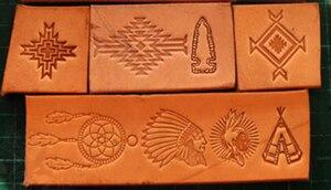 Image 4 - 13pcs הודי תרבותית אלמנטים דפוס יד עבודה ייחודי עיצוב גילוף אגרופים חותמת קרפט עור עם עור גילוף כלים