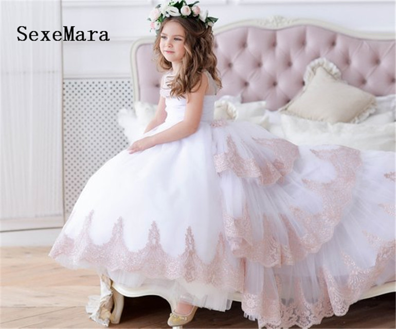 Gorgeous   Flower     Girl     Dress   With Train For Wedding Lace up Back Little   Girls     Dress   Sleeveless Backless High Quality Pageant Gowns